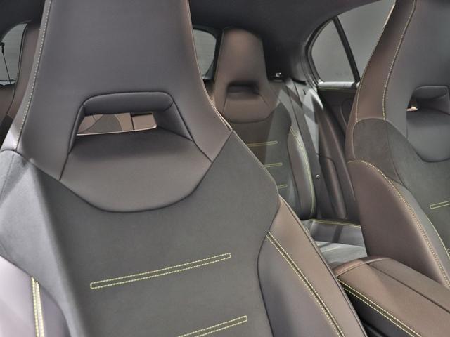 A180 エディション1 限定車 ブラックペイントAMG19インチAW ナイトPKG ブラックエグゾーストエンド マルチビームLED 全方位カメラ アドバンスドサウンド レザーDINAMICA(グリーンステッチ) HUD(13枚目)