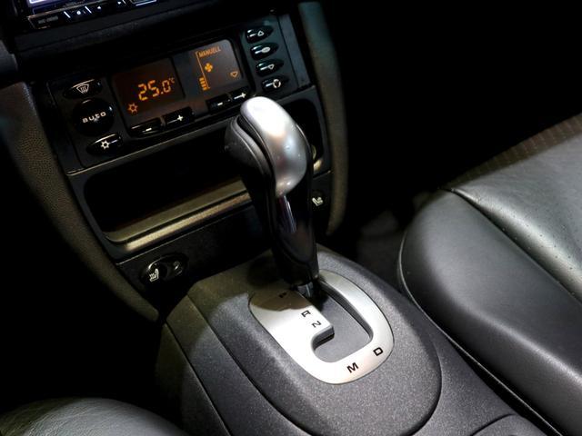 911カレラ4 4WD 革シート シートヒーター DVD(11枚目)