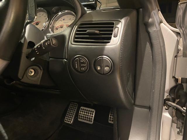 アストンマーティン V12ヴァンキッシュ