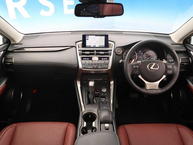 NX200t バージョンL 4WD ムーンルーフ 禁煙車(2枚目)