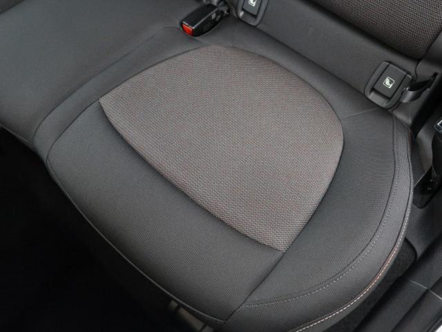 クーパーD クロスオーバー オール4 ペッパーPKG LEDヘッドライト ACC 衝突被害軽減ブレーキ 純正HDDナビ バックカメラ コーナーセンサー コンフォートアクセス 電動リアゲート シートヒーター オートライト 1オーナー 禁煙車(30枚目)