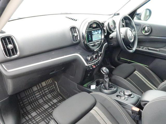 クーパーSD クロスオーバー オール4 ACC 衝突被害軽減ブレーキ 純正HDDナビ バックカメラ LEDヘッドライト 前席シートヒーター コンフォートアクセス パワートランク コーナーセンサー 純正18インチAW ETC 禁煙車(9枚目)