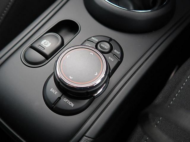 クーパーSD クロスオーバー オール4 ACC 衝突被害軽減ブレーキ 純正HDDナビ バックカメラ LEDヘッドライト 前席シートヒーター コンフォートアクセス パワートランク コーナーセンサー 純正18インチAW ETC 禁煙車(47枚目)
