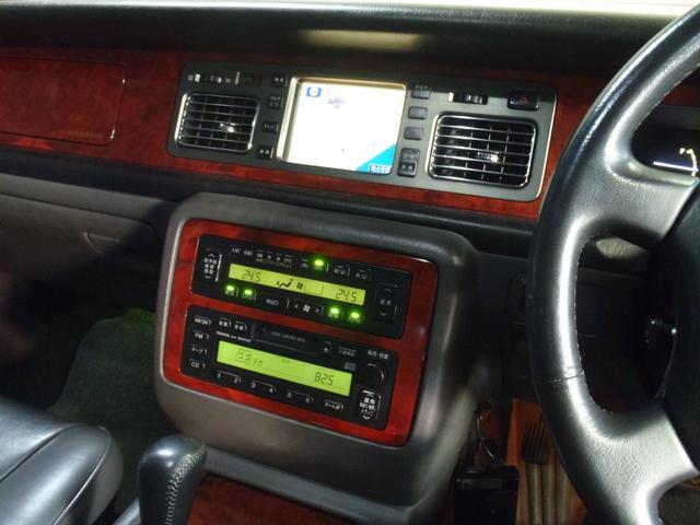 標準仕様車 デュアルEMVパッケージ 革シート パワーシート(10枚目)