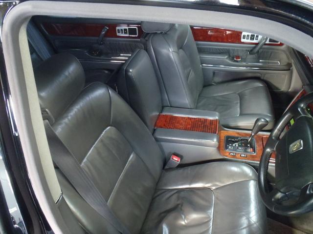 標準仕様車 デュアルEMVパッケージ 革シート パワーシート(13枚目)