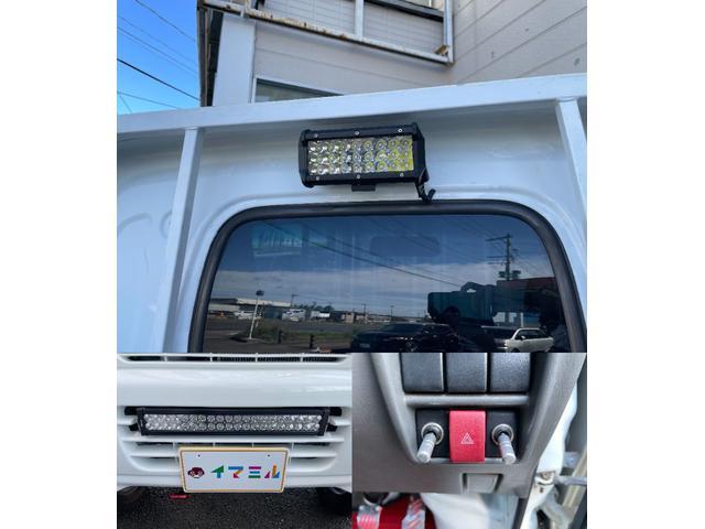 LED荷台作業灯とフロントグリルにイルミライトも付いてます♪