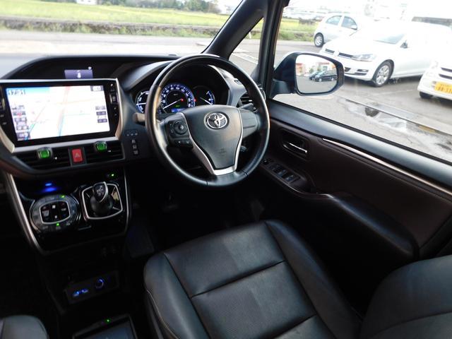 ハイブリッドGi 10型ナビ・12.8型後席モニター フルTV バックカメラ 両側電動スライドドア 車高調 クルコン レザーシート シートヒーター 純正15AW スマートキー(10枚目)