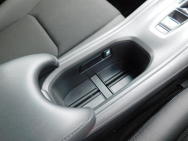 X・ホンダセンシング ナビTV オートLED ワンオーナー車 バックカメラ 衝突軽減ブレーキ 車線逸脱警告 追従クルコン ETC 16AW CD DVD SD AUX USB BTオーディオ(12枚目)
