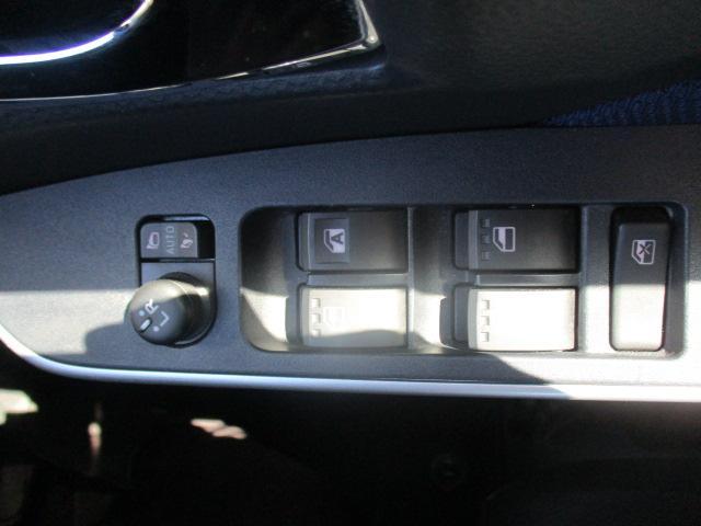 カスタムG-T フロントスポイラー SDナビ フルセグTV バックカメラ LEDオートライト スマートキー2個 両側パワースライドドア 15インチアルミ スマアシ2 クルコン(24枚目)