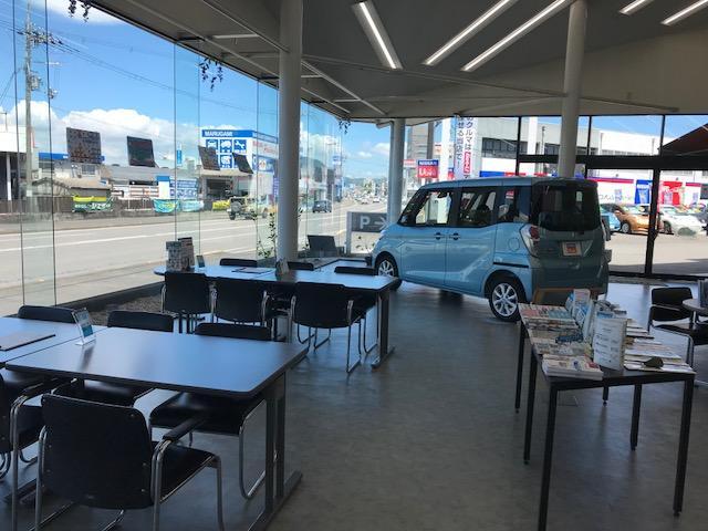 滋賀日産自動車UーCARファクトリー栗東