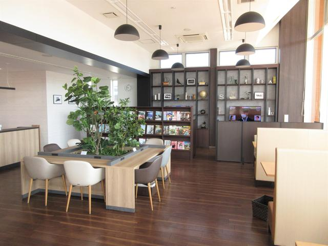(株)香川ダイハツモータース 丸亀土器店(2枚目)
