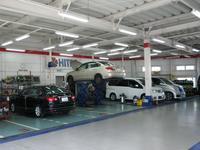 サービス工場にて、専門スタッフがメンテナンス致します。