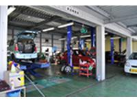 自社工場完備、民間車検も取得で車検から板金・整備・塗装などメンテナンスもトータルでお任せ     。