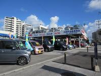 立体駐車の展示場を完備しております。多種多様な車両の中からお客様のご希望の車両をお探しください☆
