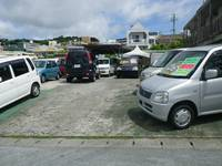 駐車スペースも完備、お車でお越し下さい♪安心、安全のお車販売に努めて参ります