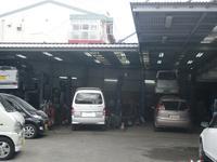 自社大型工場も完備しております!お客様に安心してお乗り頂ける環境を整えております!
