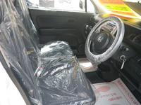 全車オゾン消臭を施し、シートをビニール保護するなどクリーンで快適な車内を維持してます!