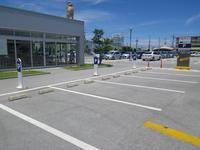駐車スペースも大きく確保出来ております、いつでも駐車可♪買取査定希望のお車も先ずはこちらへ!!