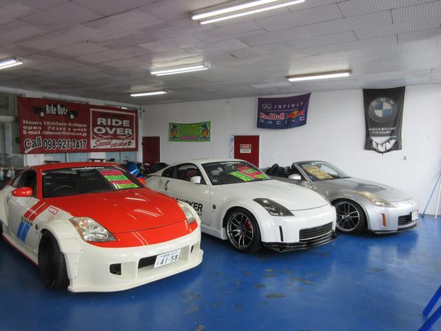 北側店舗屋内展示場魅力的な車があなたをお待ちしております。