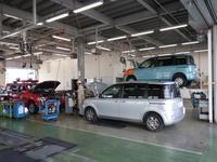 大型整備工場完備ですので、メンテナンスやアフターサービスもご安心していただけます。