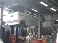 自社サービス工場完備!納車前はもちろんの事、納車後も安心してお乗り頂ける様に全力を尽くします!