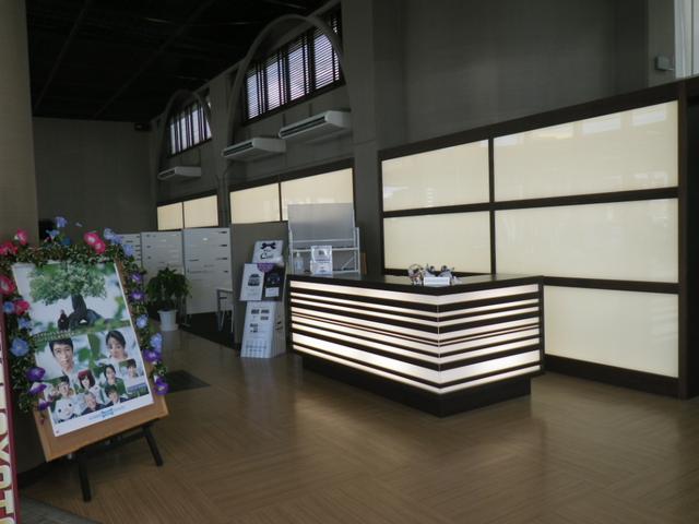 ネッツトヨタ沖縄(株)登川店(6枚目)