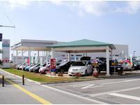 ホンダディーラーの大型拠点です。新車ショールームと中古車約40〜50台展示しております。