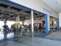 大型サービス工場完備ですので、納車前の点検整備もご購入後のメンテナンスも安心していただけます。