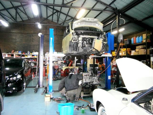 外車や旧車の修理、整備も行っております!