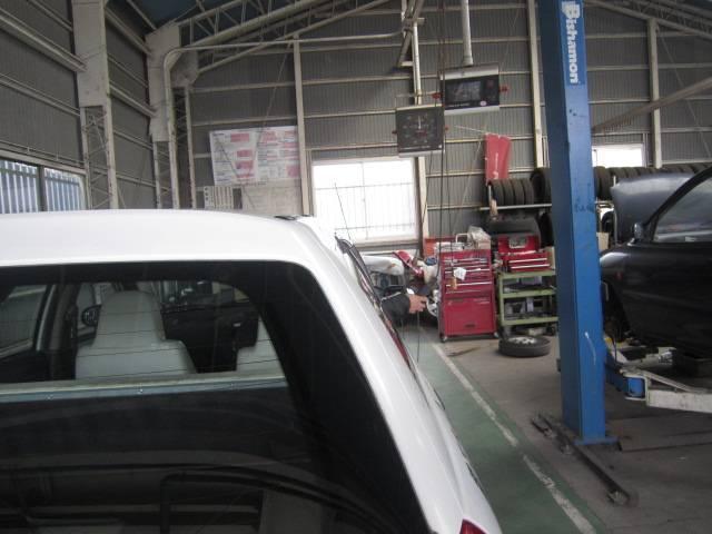 車検整備ラインを完備!しっかりとした整備車検にご期待ください!