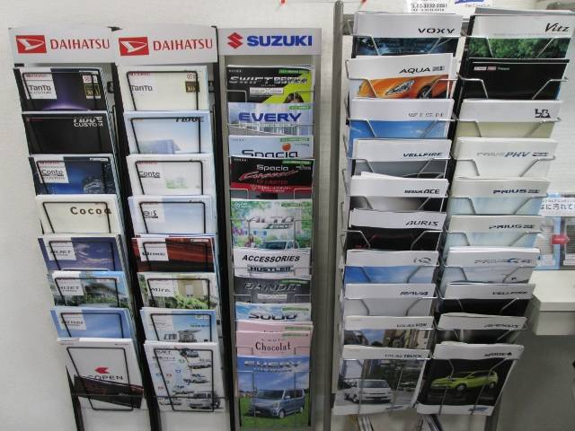 各メーカーの新車・中古車の販売も行っております