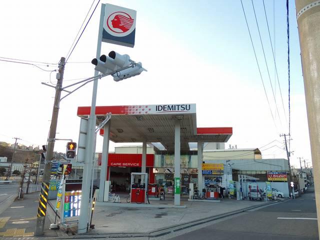 当社指定工場に、出光のガソリンスタンドを併設しております。