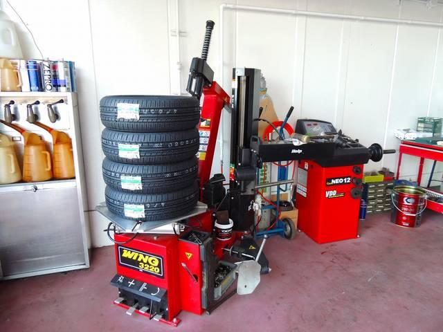 タイヤの交換もお任せください!もちろん、販売も行っております。