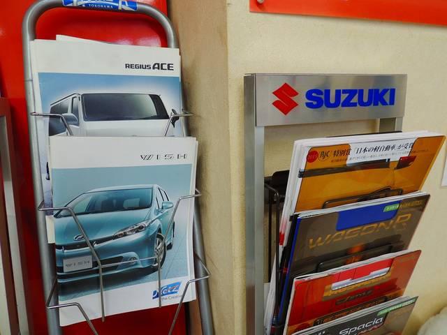 新車の販売も手がけております。整備だけではなく、乗換えもサポートさせていただきます。