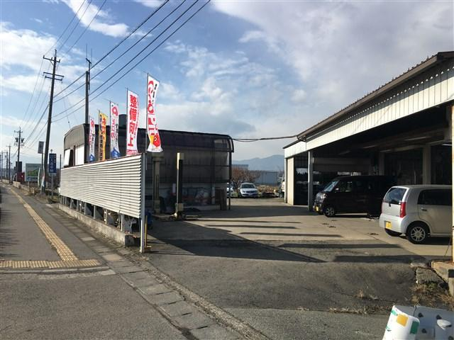 国道18号線沿いです!!広徳交差点から篠ノ井寄り150Mです。