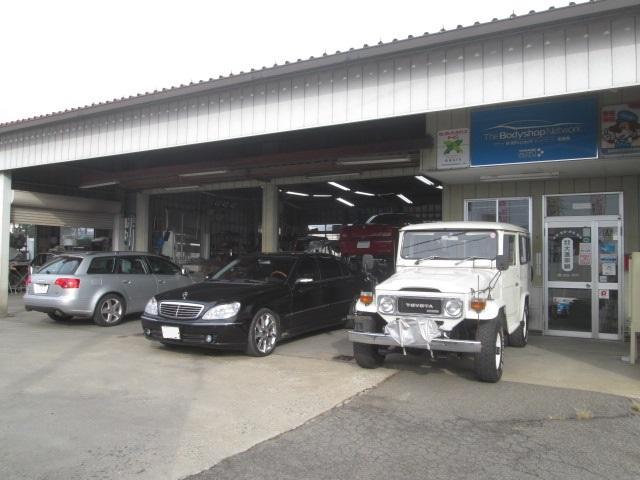 軽自動車から大型車、特殊自動車まで最新の配慮と技術、最新の設備によって車検・整備いたします。