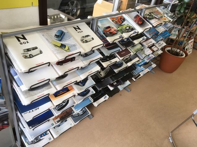 新車は国産全メーカー対応します。基本的にディーラー店頭価格と同じですが、プラスαのサービスも!