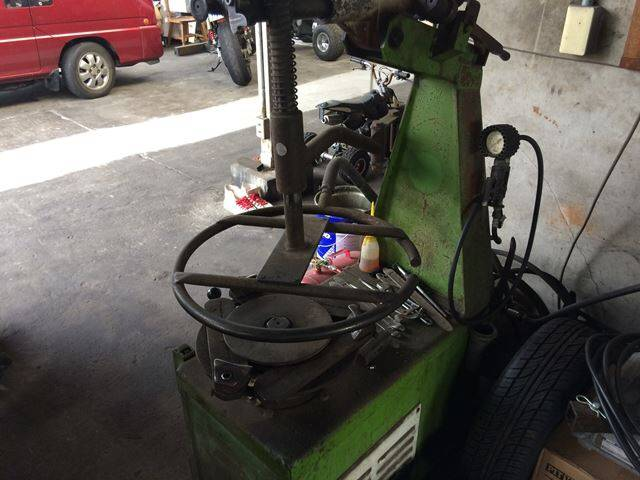 持込みでのタイヤ組換えも承ります。