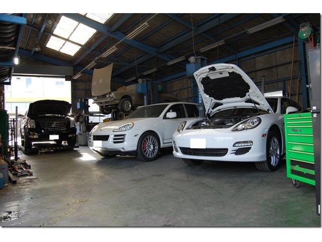 川崎市中原区で外車、車検整備、部品販売、板金・塗装、修理を行なっております