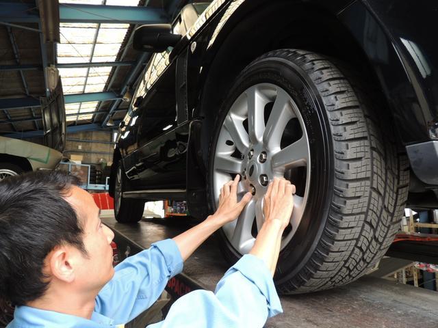 タイヤのこともご相談ください。販売、組み換え、タイヤの保管サービスもございます。