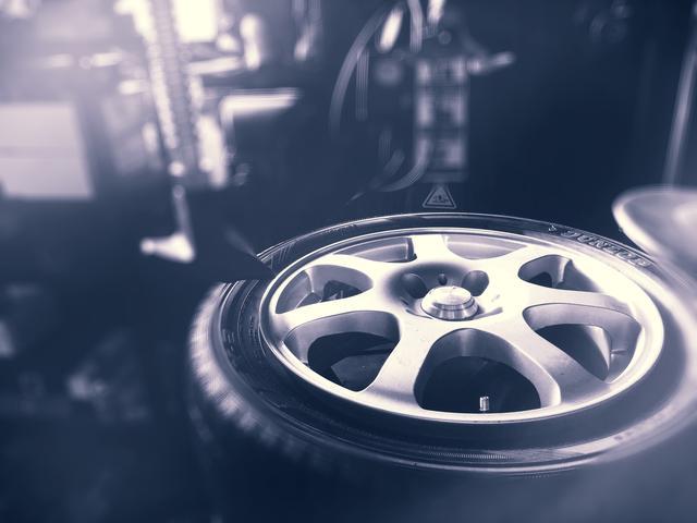 タイヤの保管サービスも行なっております!