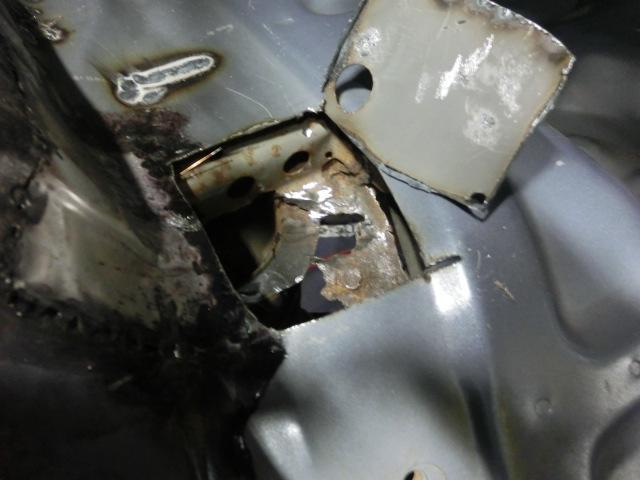 腐蝕の修理に自信あり!他店で断られた錆修理も一度ご相談下さい。