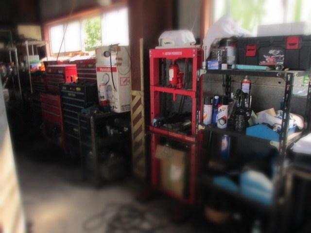 長年の修理・整備の実績と数々の専用工具でサポートします。