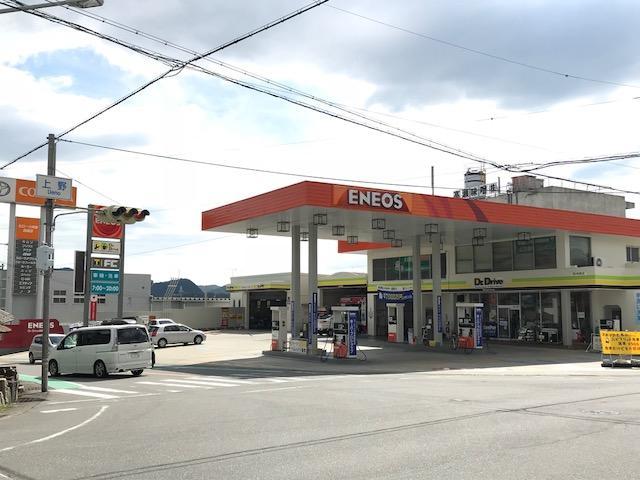 ガソリン給油中のメンテナンス点検もお任せください