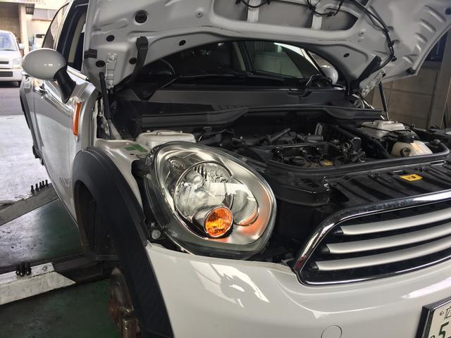 ガレージにはいつも大切にメンテナンスされたクルマがあります。