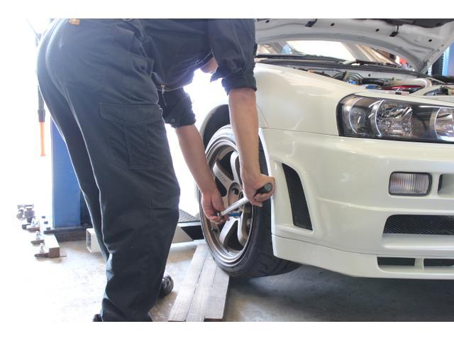 タイヤ交換やタイヤ販売も行っています!