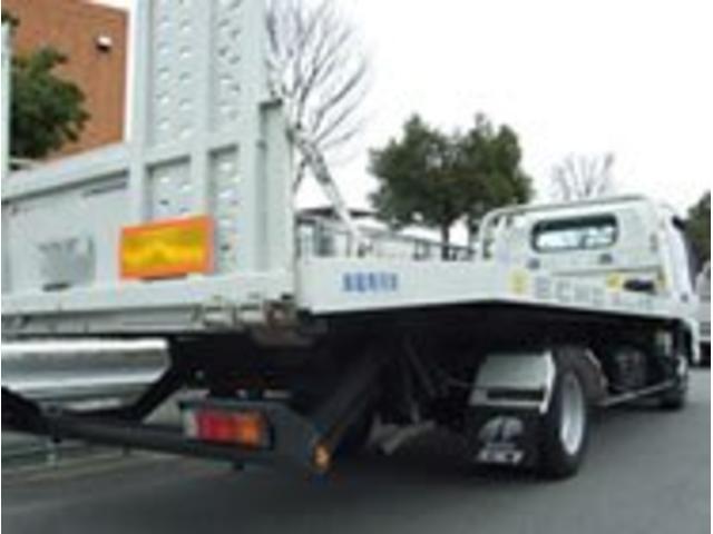事故や故障などで動かせないケースにも積載車(セーフティローダー)でしっかりと対応致します。