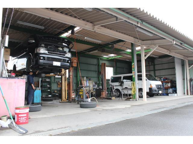 認証工場完備で、お車の事なら何でもお任せ下さい!