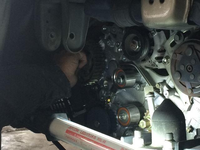 車の修理もお任せ下さい、経験豊富な整備士がきっちり修理いたします。