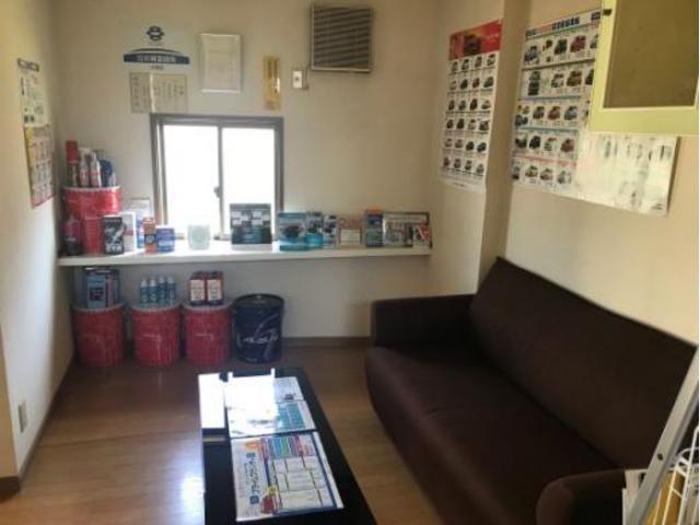 福山のクルマ整備、車検、パーツ持込み取付けはワイガレージ!